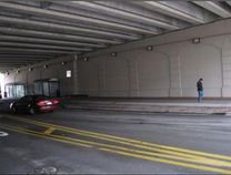 A photo of Front Avenue under US-131